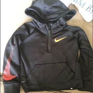 Black Nike 2t